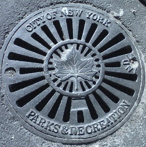 Parks Dept. Logo, old Grate, Flatbush, Bklyn
